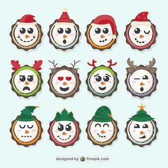 Pack schneemänner mit weihnachtsdekoration