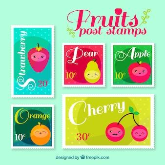 Packung briefmarken mit fruchtfiguren