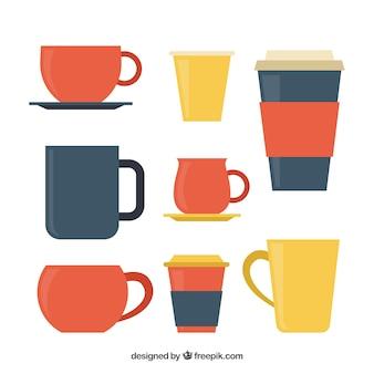 Packung mit bunten kaffeetassen