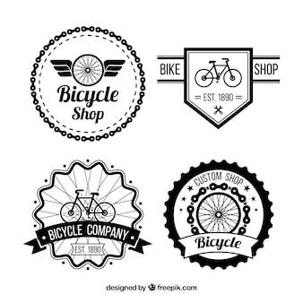 Packung mit fahrrädern abzeichen im retro-stil