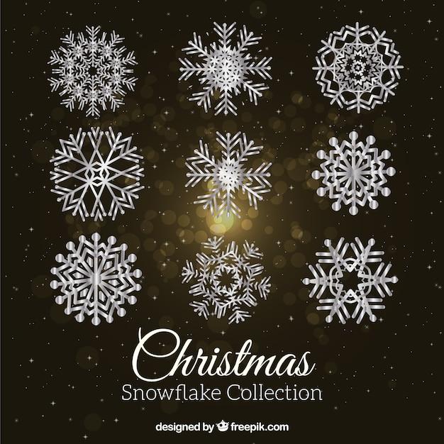 Packung mit silbrig dekorative schneeflocken