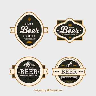 Packung mit vier luxuriösen bieretiketten