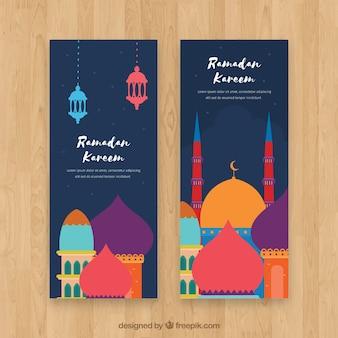 Packung ramadan banner mit bunten moscheen