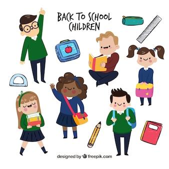 Packung von kindern mit schulkleidung und material