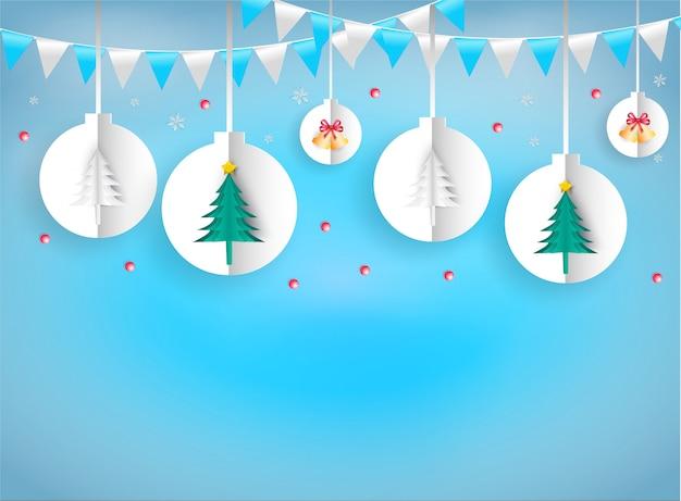 Papierkunststil von weihnachts- und des neuen jahresverzierungen hängendes seil weiß auf blauem hintergrund.