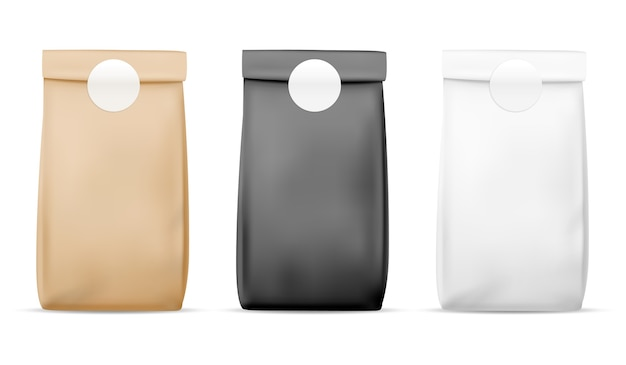 Papierverpackung lebensmittelbeutel. leere weiße, braune und schwarze tasche. produktbehälter versiegelte verpackung. einzelhandel mahlzeit wrap realistische packung tee und snacks stehen