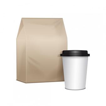 Papp-lunchpaket zum mitnehmen mit einer tasse kaffee. verpackung für sandwiches, lebensmittel, andere produkte