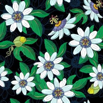 Passionsblume passiflora, passionsfrucht auf einem schwarzen hintergrund. blumen nahtloses muster mit großen hellen exotischen blumen, knospe und blatt. sommerillustration für drucktextil, stoff, geschenkpapier.