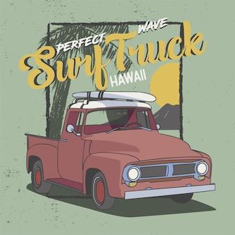 Perfekter wellen-brandungs-lkw hawaii, sloganentwurf für t-shirt, plakat und alle druckgraphik. palmensonnenuntergang und felsenbergblick.
