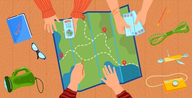 Personen, die reisekonzeptillustration planen. draufsicht nahaufnahme der hände der karikaturflachreisenden, die flugtickets halten, auf touristische karte zeigen und handy-app für urlaubsreiseplan verwenden