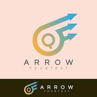 Pfeil anfangsbuchstabe q logo design