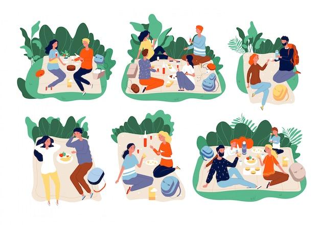 Picknickleute. freie gruppe der familie im freien, die zusammen abendessen in grünen sommerpark-picknickcharakteren isst