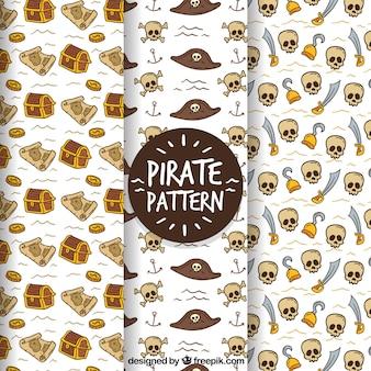 Piratenmuster auf weißem hintergrund