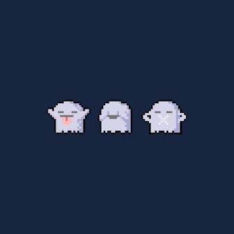 Pixel-art-cartoon-set von drei niedlichen geisterfiguren