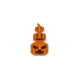 Pixel dreifacher halloween-kürbis.
