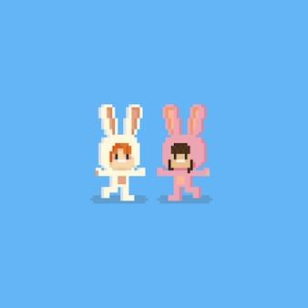 Pixelkinder mit niedlichem kaninchenkostüm