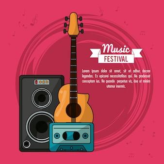 Plakatmusikfestival mit gitarre und lautsprecherbox und bandkassette