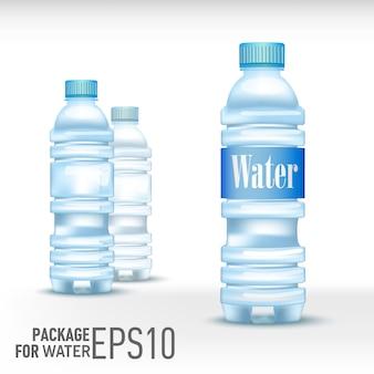 Plastikflasche mit frischem kaltem wasser