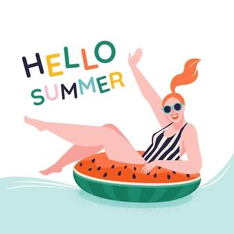 Poolpartyjunges mädchen, das auf aufblasbarem ring der wassermelone sitzt, bereit, hallo sommer zu schwimmen