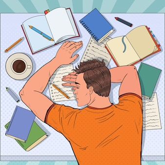 Pop art erschöpfter männlicher student, der mit lehrbüchern auf dem schreibtisch schläft. müder mann, der sich auf die prüfung vorbereitet.