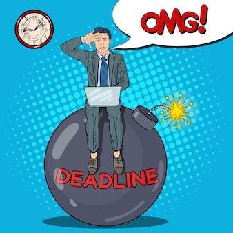 Pop art gestresster geschäftsmann, der an deadline bomb arbeitet.