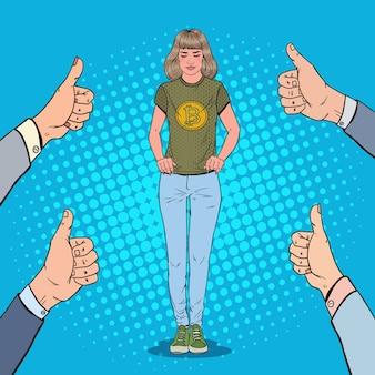 Pop art junge frau, die im t-shirt mit bitcoin-druck trägt