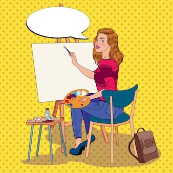 Pop art künstlerin malerei im studio. malerin in der werkstatt.