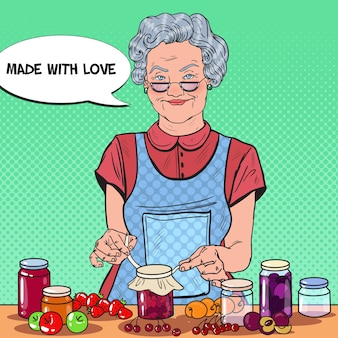 Pop art senior frau macht hausgemachte marmelade