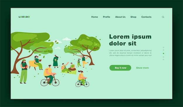 Positive leute, die im stadtpark mit kirschbäumen sitzen, lokalisierten flache illustration