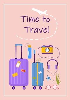 Poster mit text zeit zum reisen und sachen für abenteuertourismus. reise dekoratives design mit muscheln, gepäck, zubehör, kamera. moderner vektor der flachen karikatur.
