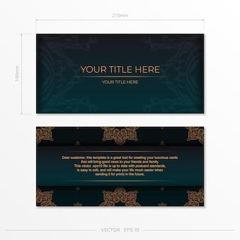 Präsentierbare vorlage für die druckfähige gestaltung von postkarten in dunkelgrüner farbe mit arabischen mustern. vektorvorbereitung der einladungskarte mit weinleseverzierung.