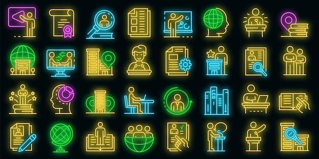 Praktikumssymbole gesetzt. umrisse von praktikumsvektorsymbolen neonfarbe auf schwarz