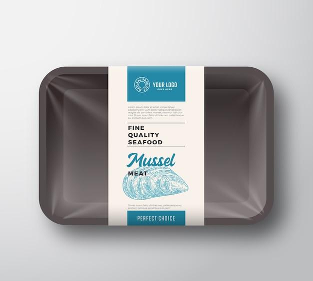 Premium seafood pack abstrakter kunststoffbehälterbehälter mit zellophanabdeckung verpackungsdesignetikett.
