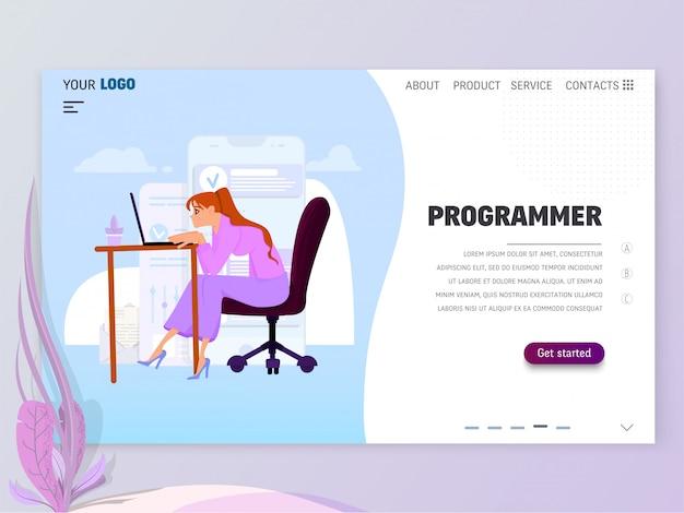 Programmierer des jungen mädchens bei der arbeit im büro