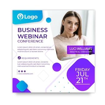 Quadratische flyer-vorlage für das marketinggeschäft