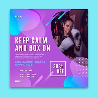 Quadratische flyer-vorlage mit farbverlaufsboxen