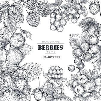 Rahmen mit handgezeichneten vektorbeeren im skizzenstil. quadratische grenzkomposition. erdbeere, kirsche, himbeere, stachelbeere, brombeere, moltebeere, preiselbeere heidelbeere