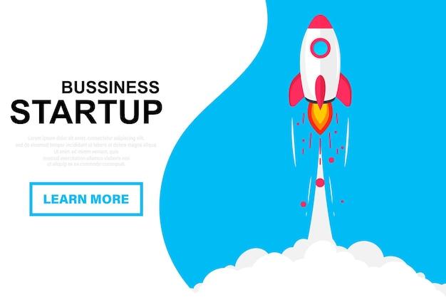 Raketenstart. start einer weltraumrakete. raketenfliegen in wolken. erfolgreiches startup-geschäftskonzept. startschuss für ein neues projekt. kreative oder innovative idee. einführung neuer produkte oder dienstleistungen. raketenstart