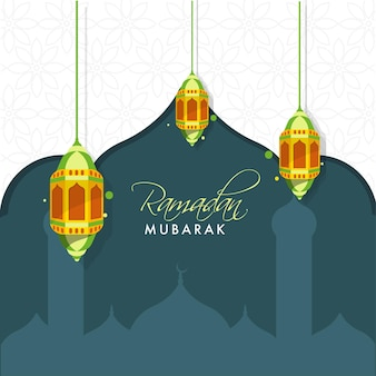 Ramadan mubarak text mit hängenden laternen auf grauer silhouette moschee und weißem blumenhintergrund.