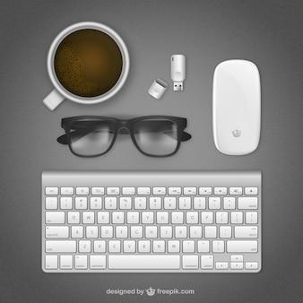 Realistische arbeitsplatz mit tastatur