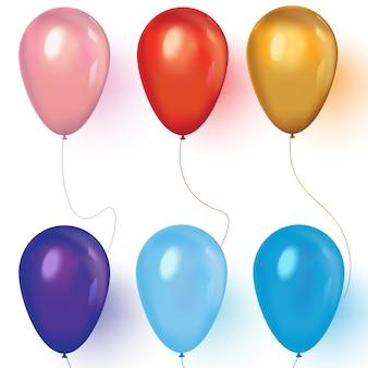 Realistische farbige ballone auf weiß