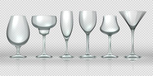 Realistische glasbecher. leere transparente champagnercocktail-weingläser und becher. realistische 3d-kristallglas-designvorlagen für alkohol-cocktail-whisky-bier und wasser