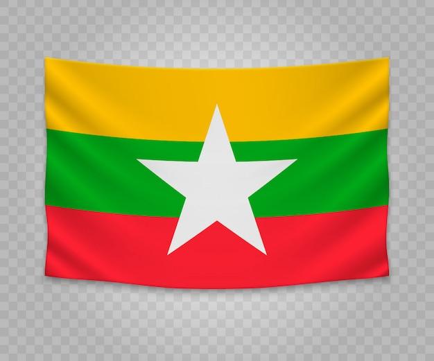 Realistische hängende flagge von myanmar