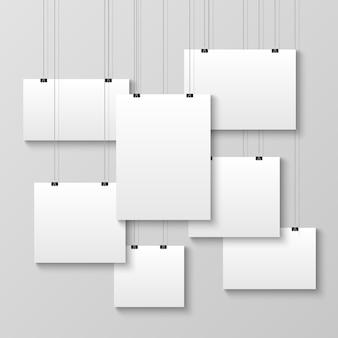 Realistische hängende leere plakatschablone