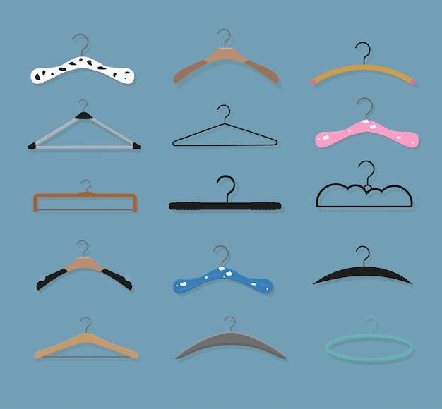 Realistische holzbügel. für mäntel, pullover, kleider, röcke, hosen.