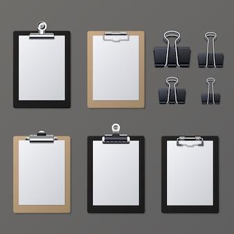Realistische klemmbretter mit leerem weißbuchblatt. notizblockinformationsbrett-vektorillustration. zwischenablage und papierblattseite