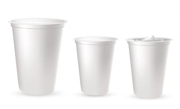 Realistische kunststoffverpackungen für joghurt