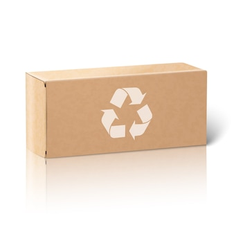 Realistische leere papierhandwerkspaketbox
