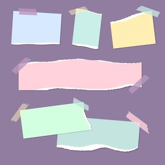 Realistische leere zerrissene farbige papiernotizen mit klebeband