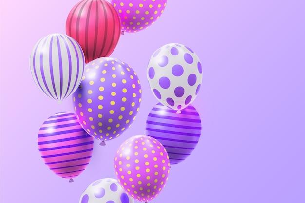 Realistische luftballons mit streifen und punkten